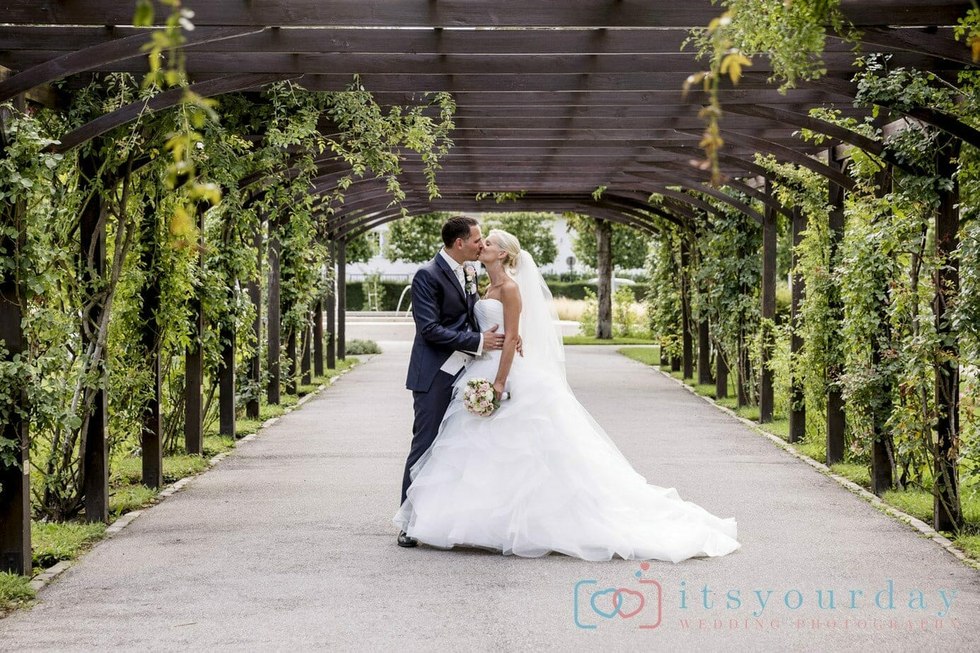 Hochzeitsfotos im Schloss Weikersdorf